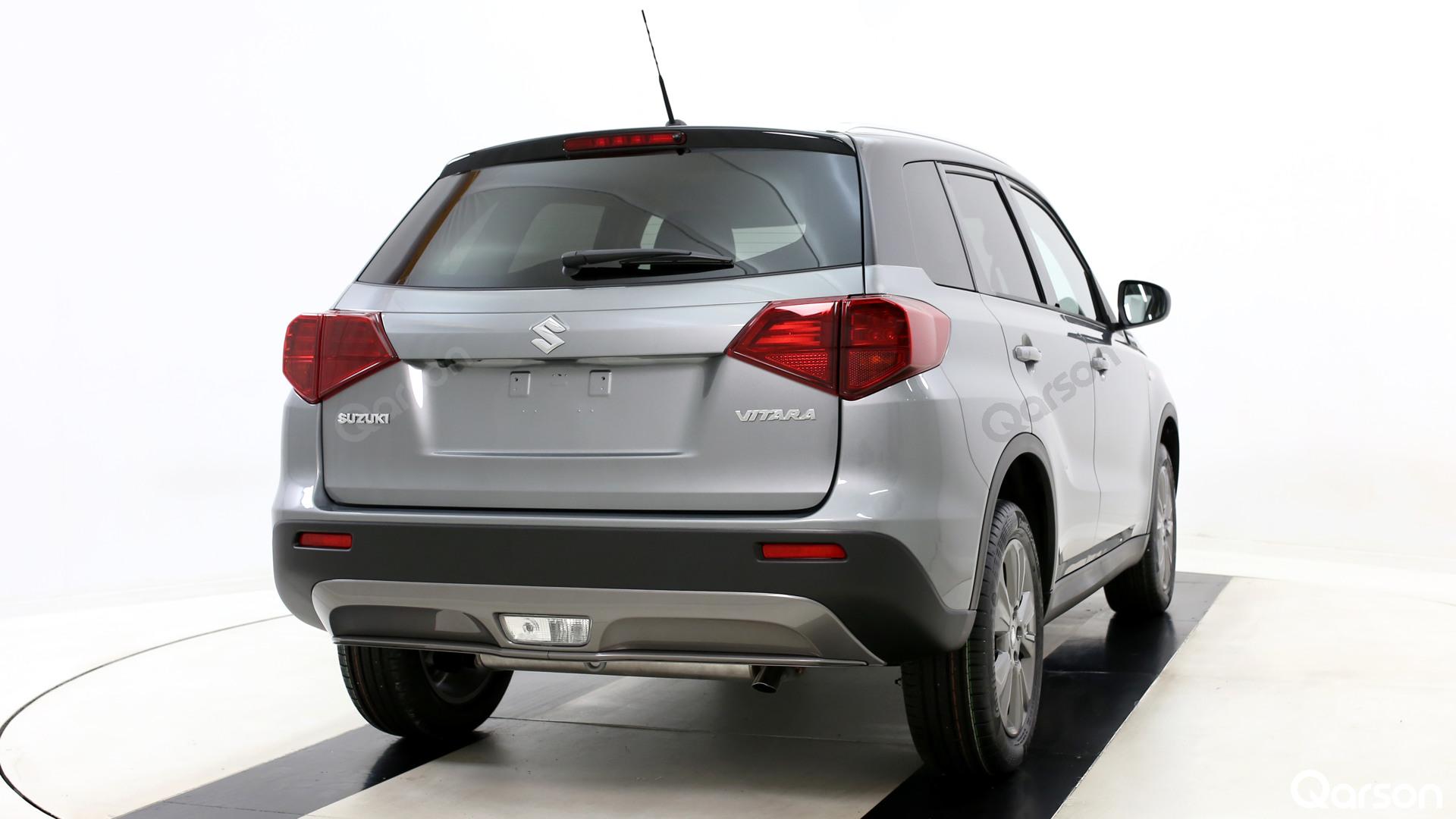 Suzuki Vitara Facelift Widok auta z tyłu z prawej strony pod kątem 30 stopni