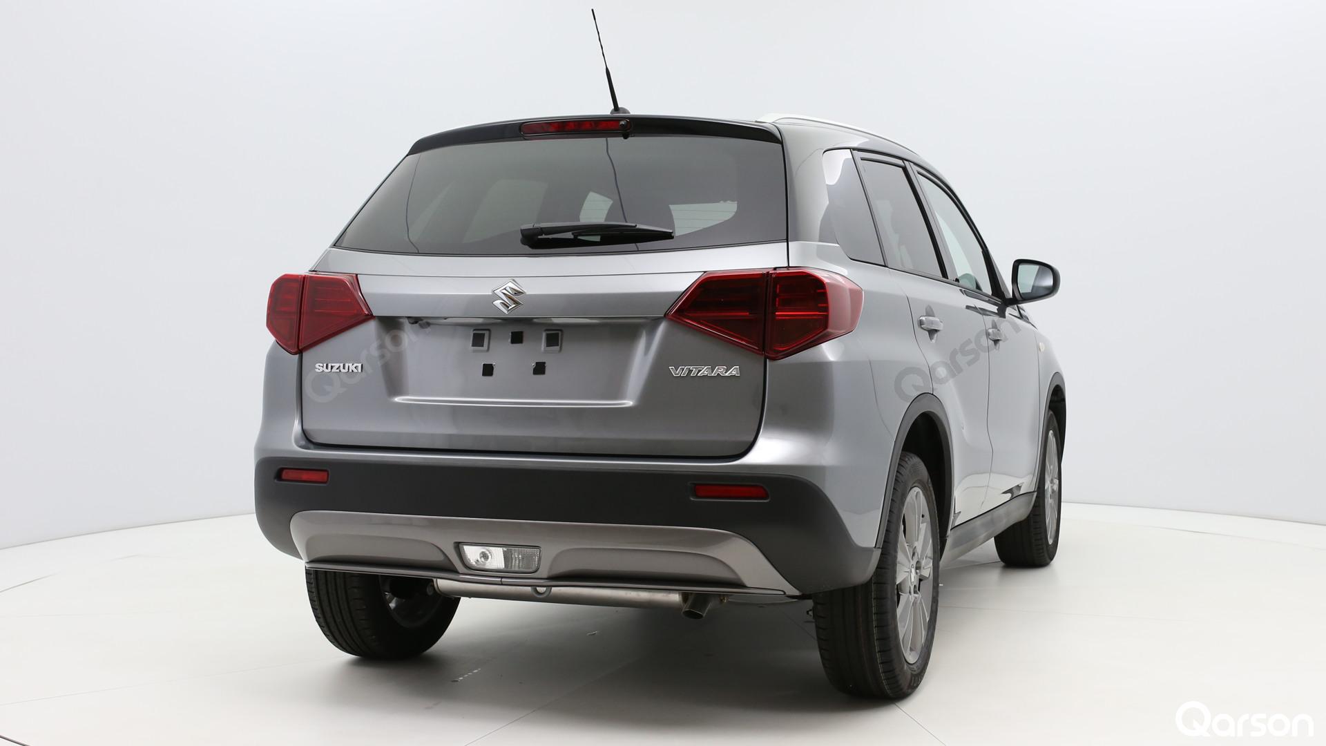Suzuki Vitara Facelift Widok z tylnego prawego boku pod kątem 210 stopni