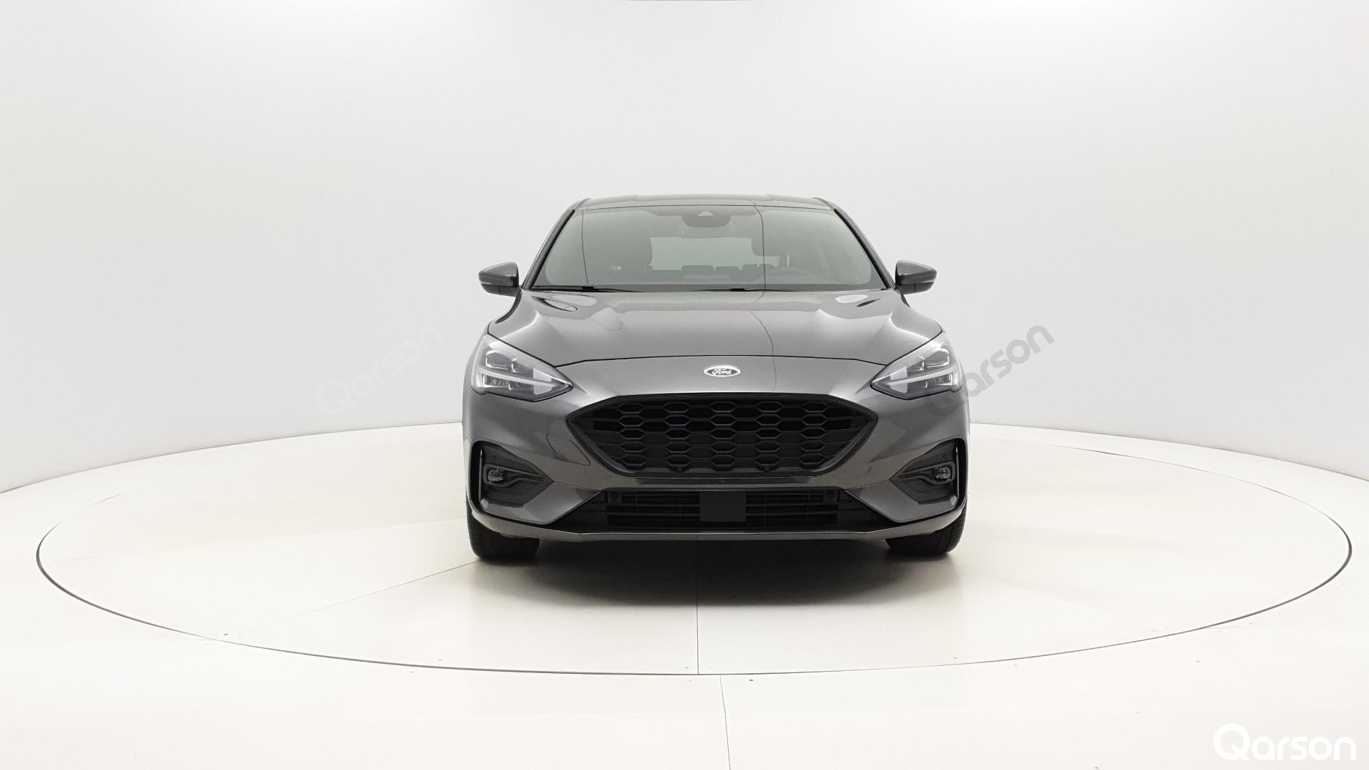 Ford Focus 5D Widok przodu samochodu
