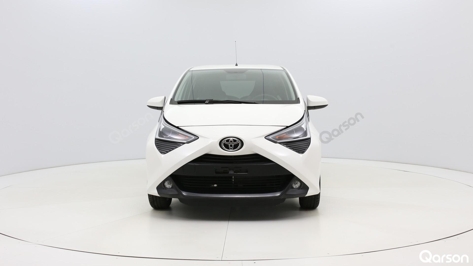 Toyota Aygo 5D Widok przodu samochodu
