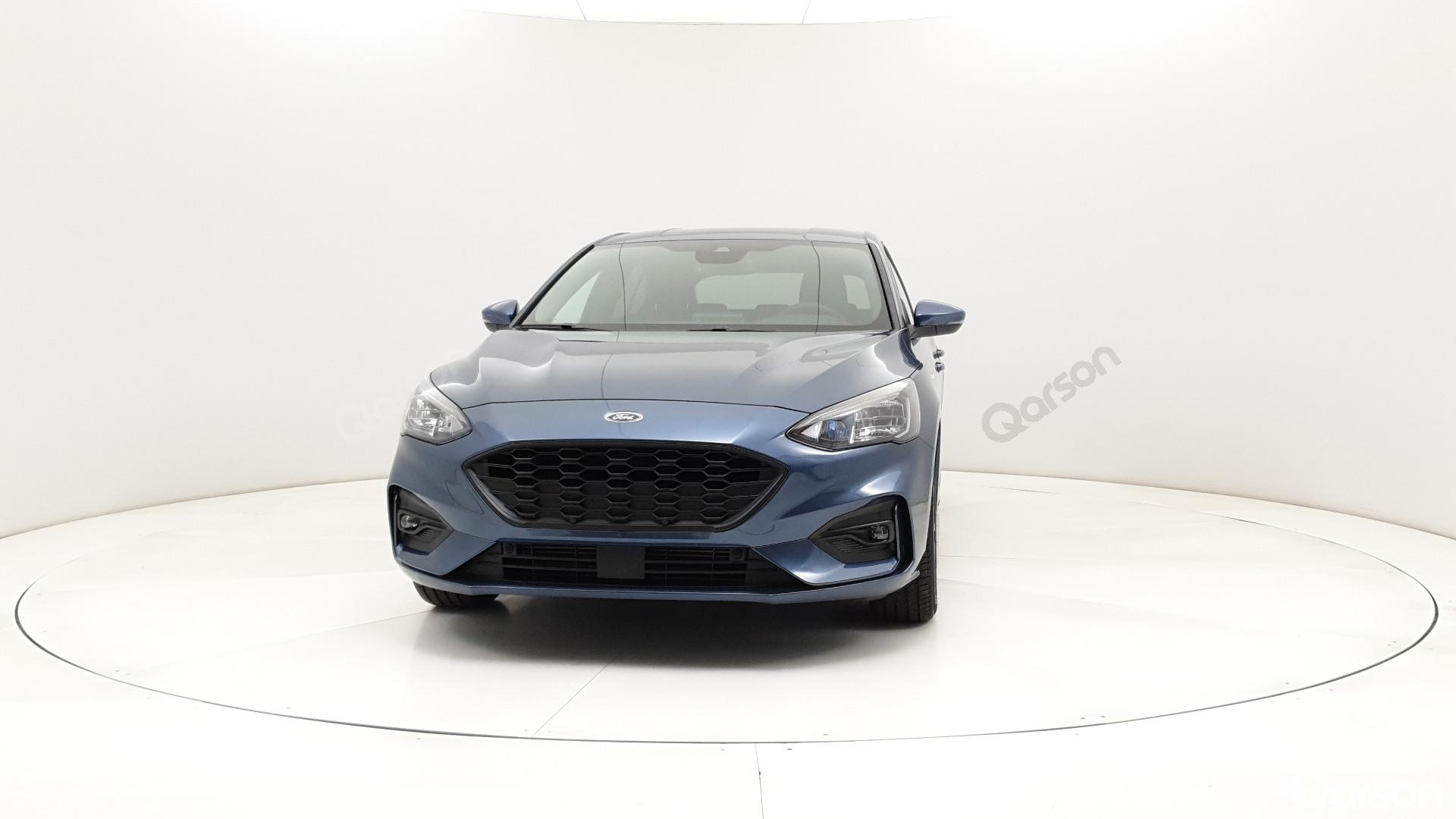 Ford Focus 5D Widok przodu samochodu lewy bok 10 stopni